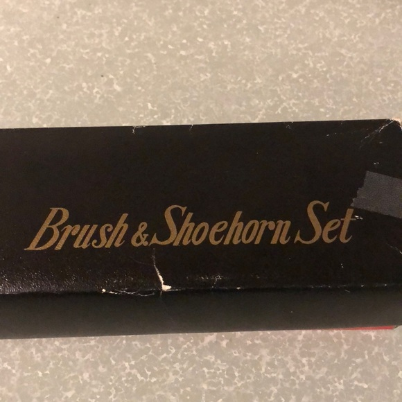 Vintage Jaguar Panther head Brush & Shoehorn set